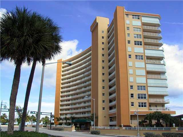 Bermuda House - Pompano Beach, FL Condos for Sale