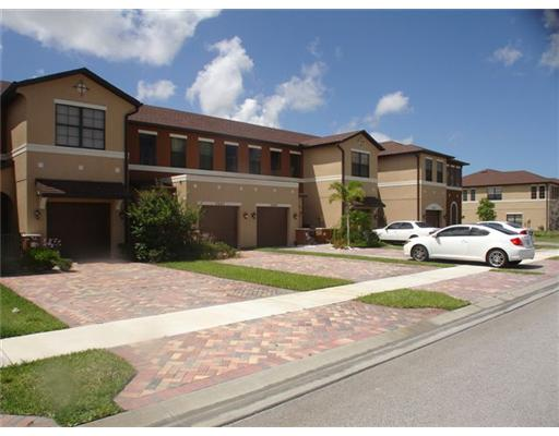 Cambridge Townhomes - Port Saint Lucie, FL Townhomes for Sale