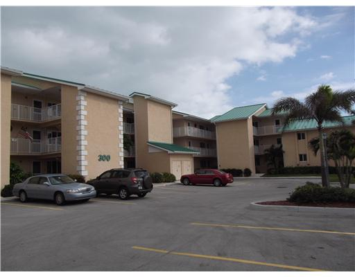 Capstan Condominiums - Fort Pierce, FL Condos for Sale