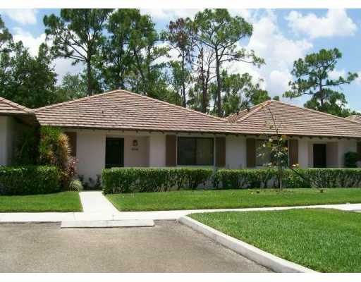 Club Cottages Homes For Sale At Pga National | Palm Beach Gardens