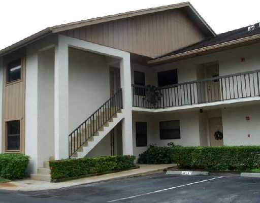 Country Meadows Condos - Stuart, FL Condos for Sale
