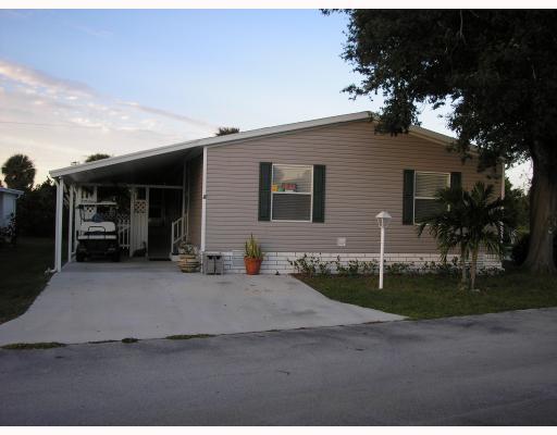 Plantation Manor – Fort Pierce, FL Mobile Homes for Sale