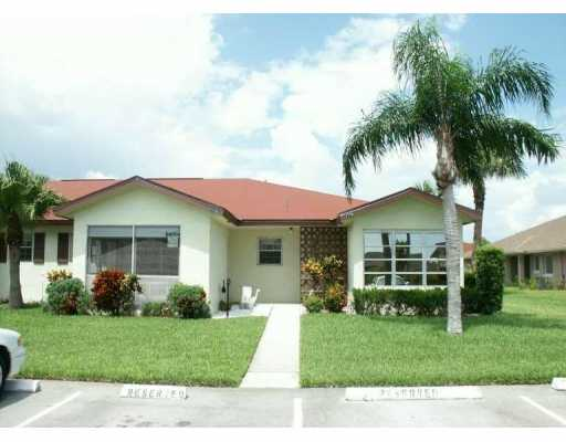 Savannahs Condominiums - Fort Pierce, FL Condos for Sale