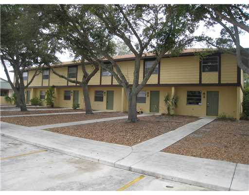 Southern Courtyard - Fort Pierce, FL Condos for Sale
