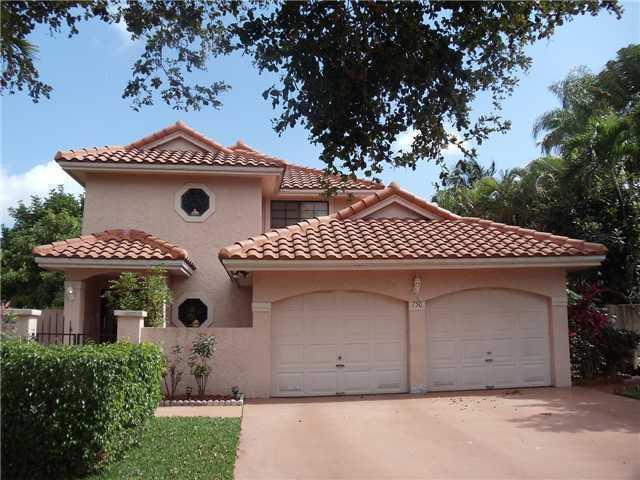 Starlight Cove - Deerfield Beach, FL Homes for Sale