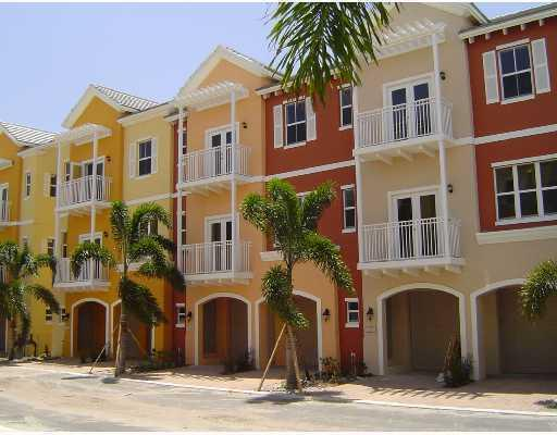 Vintage Townhomes - Lighthouse Point, FL Townhomes for Sale