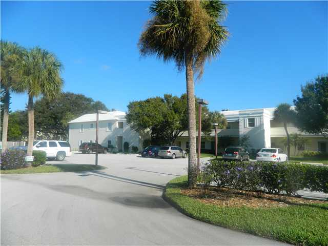 Banyan House Condos - Stuart, FL Condos for Sale
