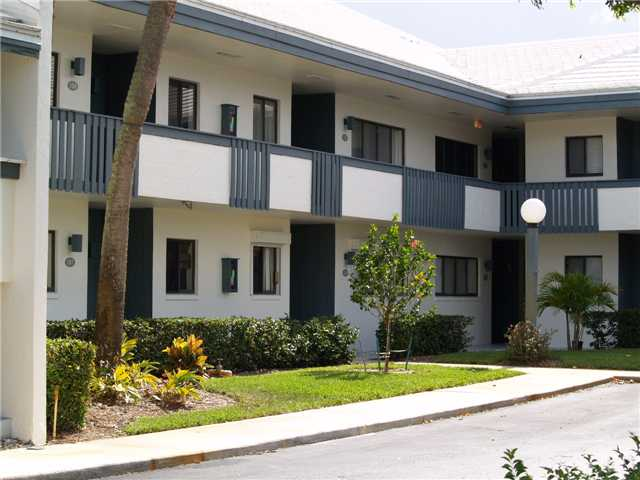 Pierpoint Yacht Club - Stuart, FL Condos for Sale