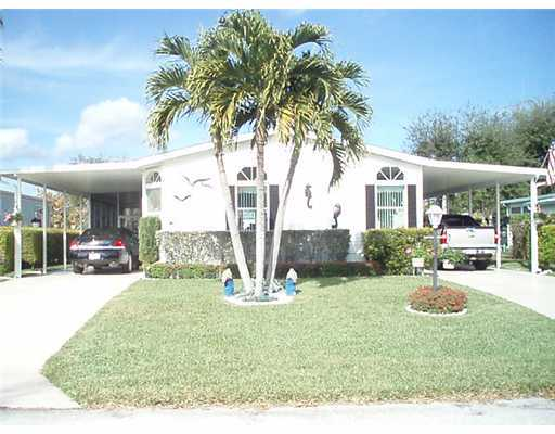 Tropical Paradise – Stuart, FL Mobile Homes for Sale
