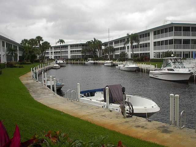 Windjammer Condominiums - Stuart, FL Condos for Sale