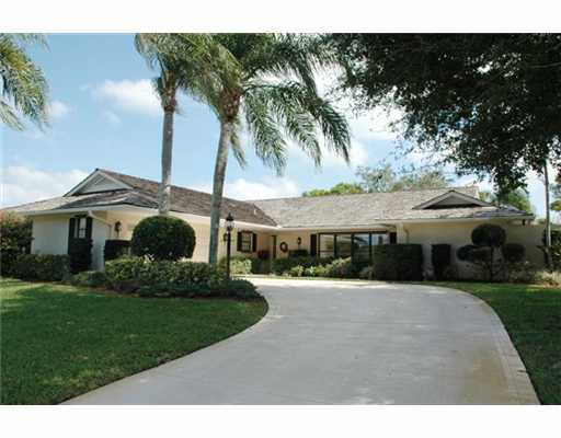 Homes For Sale in Yacht and Country Club of Stuart