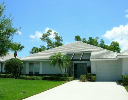 Lake community is located in the beautiful city of palm city florida