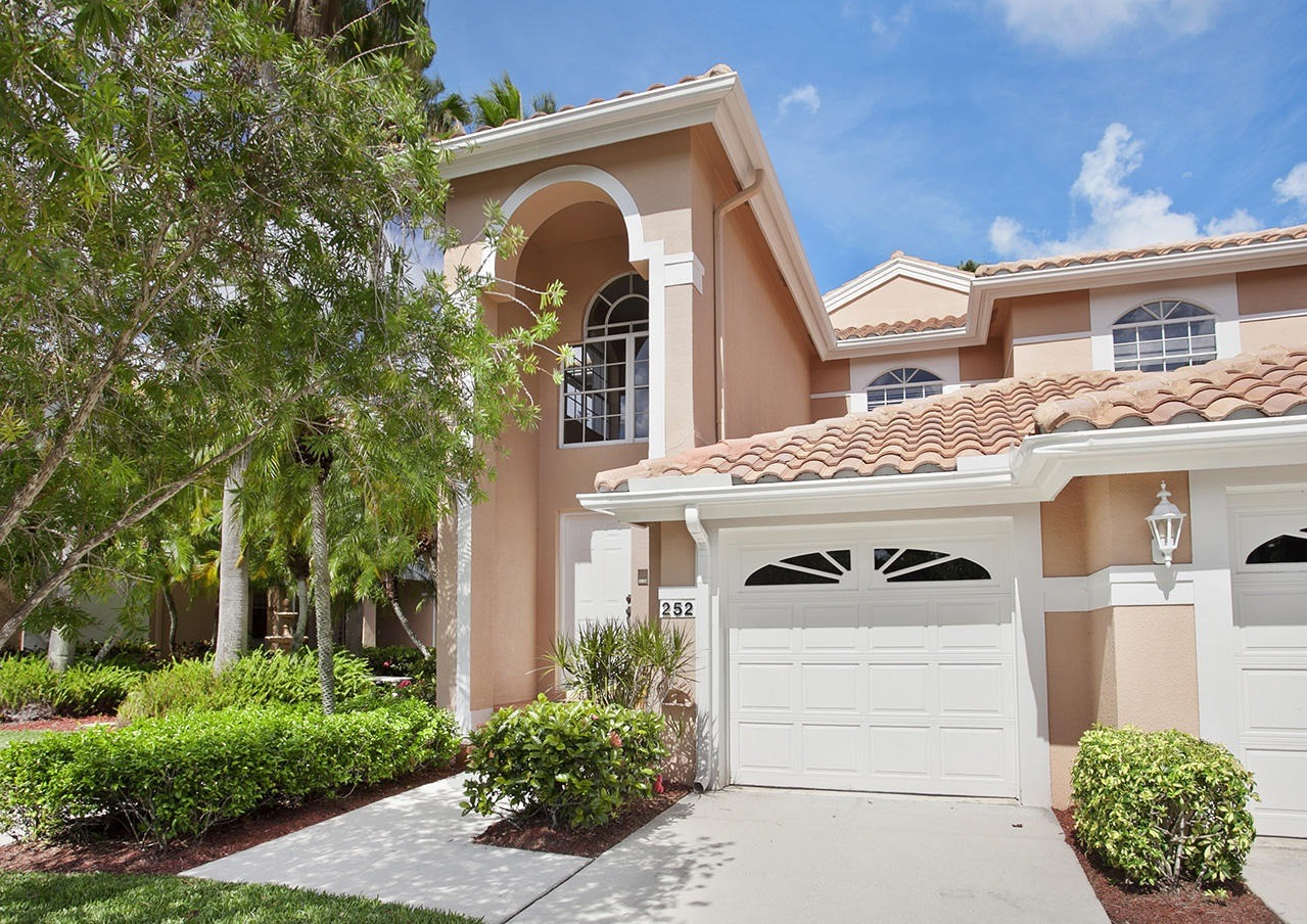 Legends townhouses for sale at pga national palm beach Palm beach gardens homes for sale